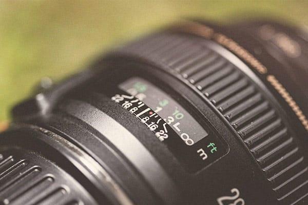 Nahaufnahme von einem Kameraobjektiv